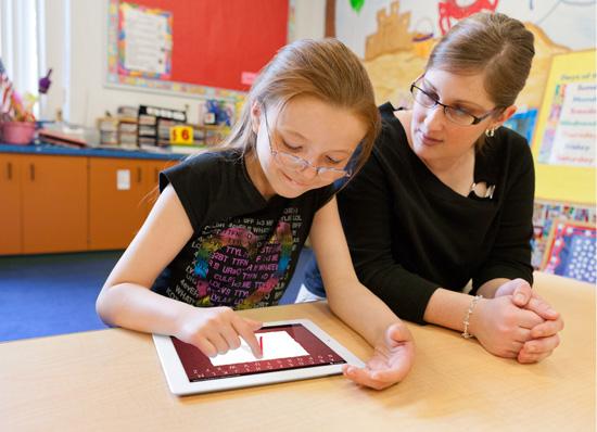 Más de 20.000 alumnos aprenden también con el iPad